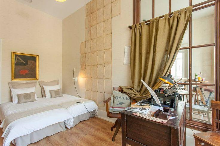 Veja este anúncio incrível na Airbnb: Fernando Pessoa Xperience - Chiado - Apartamentos para Alugar em Lisboa