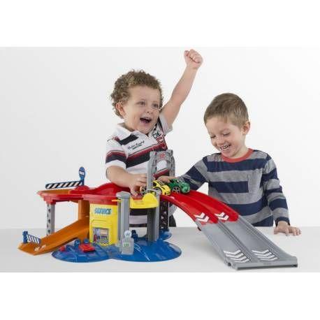 Chicco Play & Go Garage  Check it out on: https://tjengo.com/legetoj-til-born/435-chicco-garage.html
