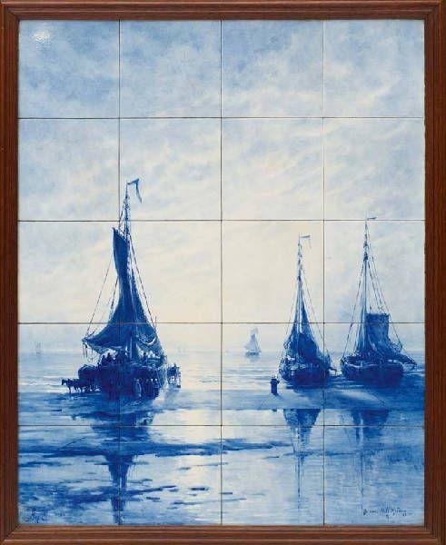 Een Delfts blauw aardewerk tegeltableau van 20 tegels    1896, gemerkt De Porceleyne Fles  met een voorstelling van bomschuiten en figuren op het strand bij laagstaande zon, naar H.W. Mesdag. In eikenhouten lijst. 78x62 cm (excl. lijst)