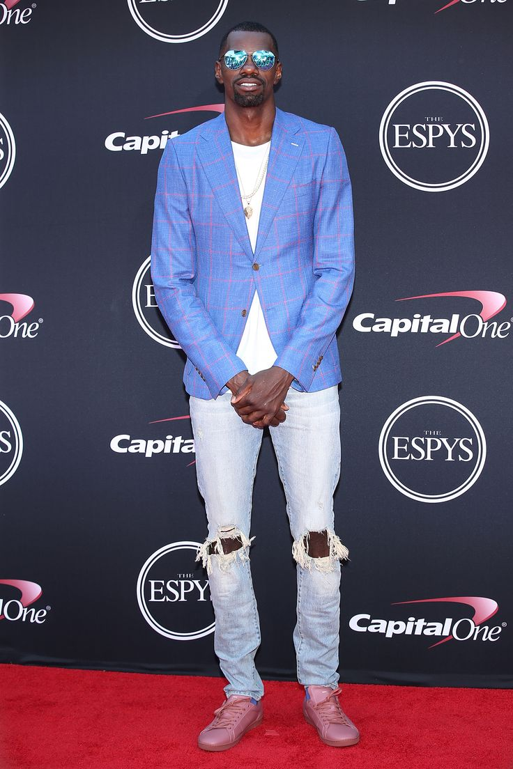 LOS ANGELES, CA - JULY 12:  Dewayne Dedmon attends The 2017 ESPYS at Microsoft Theater on July 12, 2017 in Los Angeles, California.  (Photo by Phillip Faraone/Patrick McMullan via Getty Images) via @AOL_Lifestyle Read more: https://www.aol.com/article/lifestyle/2017/07/13/espy-awards-2017-best-of-beauty/23028303/?a_dgi=aolshare_pinterest#fullscreen