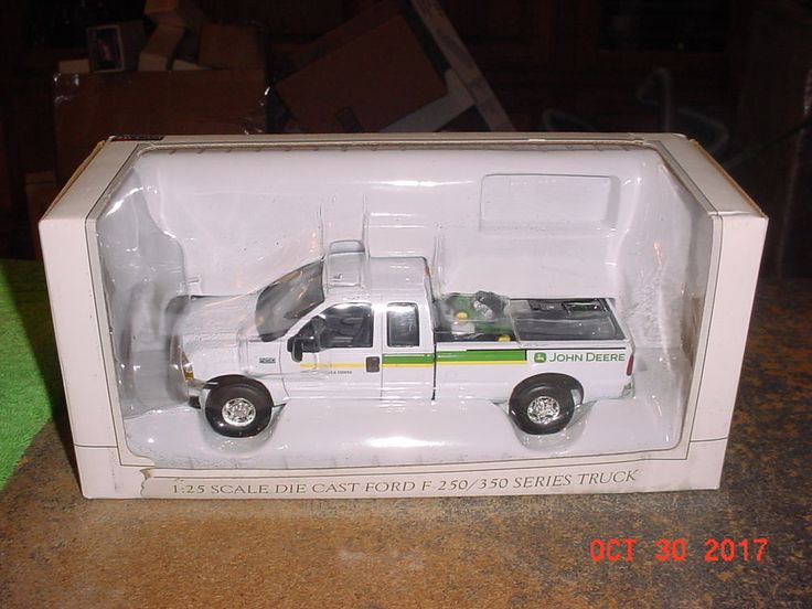 Spec Cast 2004 Ford F-250 John Deere with Lawn Mower Load 1/25 52503 #SpecCast #Ford