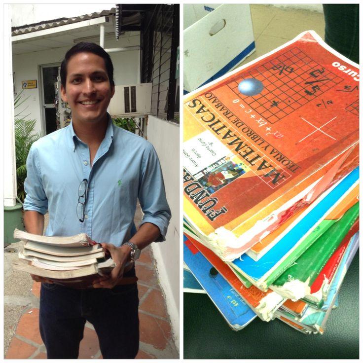 ¡Agradecemos a Álvaro Gómez por donar estos libros y por el interés que ha tenido con nuestro proyecto!.