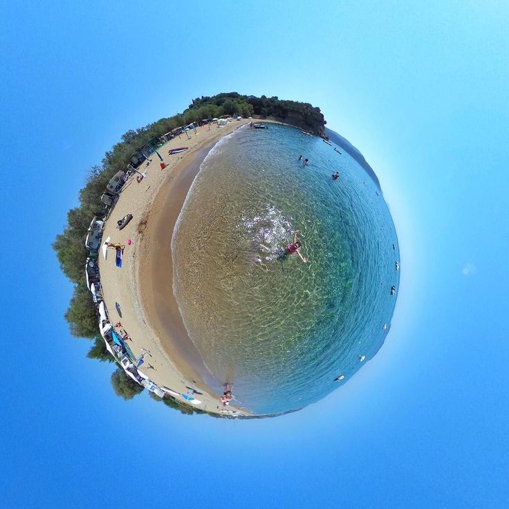 The perfect little world of #foinikounta  #katerinastraveldiary #visitgreece #lifein360 #littleplanet #theta360official
