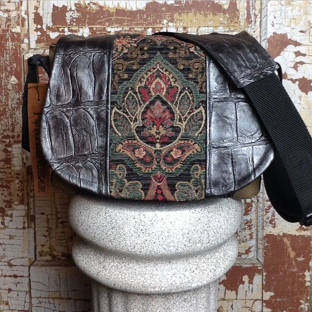 Michelle from Justin, Texas is our customer design of the week! Black and Teal Tapestry accent with Black Vintage Croc leather on a Medium Camera bag #porteen #porteengear #designyourown #designoftheweek #leathercamerabag #handmade #fashion #style #texas #create #inspire