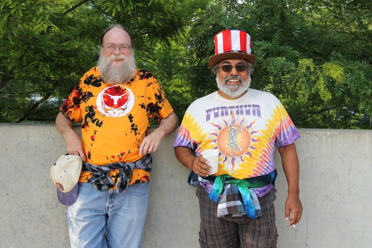 The fans arrived early, tailgating in the parking lots surrounding Soldier Field ahead of the final 'Fare Thee Well' Grateful Dead concerts in Chicago.