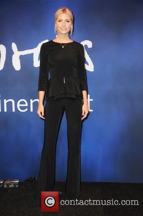 Lena Gercke in Dimitri #outfit #bydimitri #gntm #topmodel #madeinitaly