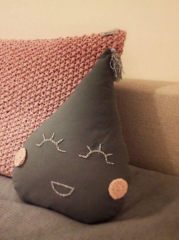 THEend !  Kropelka & poducha dziergana 50x50cm dla maluchów gotowe .   100%bawełna  #siwczakhome #handmade #baby #babyroom #100%cotton #pillow #poduszka