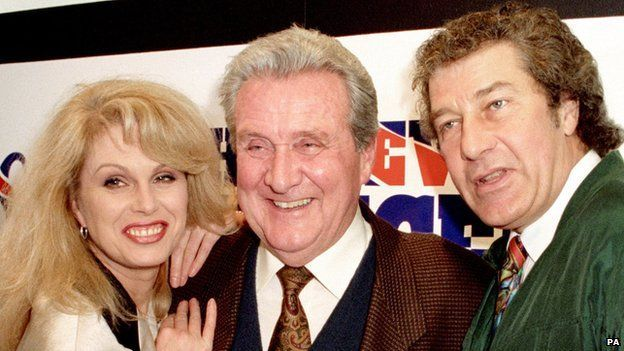 Patrick MacNee with Joanna Lumley and Gareth Hunt from the New Avengers.