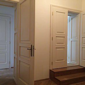 Zakázková výroba nábytku. Vyrábíme nábytek na míru v požadovaných rozměrech a designu. Nábytek na zakázku dodáváme do domácností a firem.