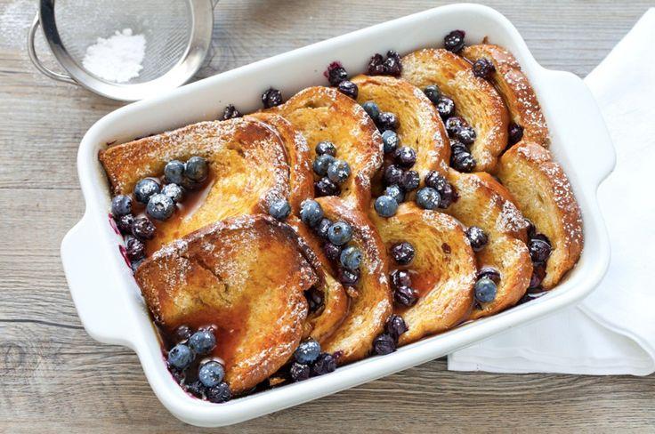 Una ricetta tipica della colazione americana. I french toast sono a base di pane, si possono trovare dolci o salati. Scoprite la nostra versione dolce e cotta al forno di questa ricetta golosa!
