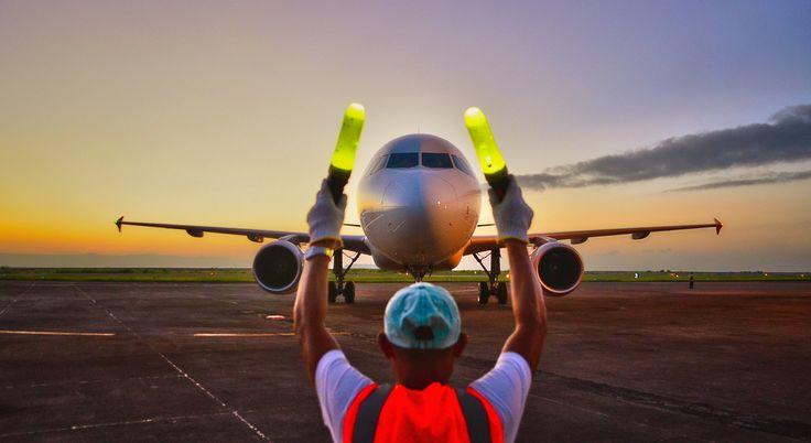 Marshalling (Miss my job at MEMPHIS International Airport)