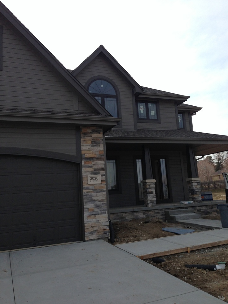 Modern house exterior sherwin williams gauntlet gray and sherwin williams urbane bronze trim - Home exterior paint ...
