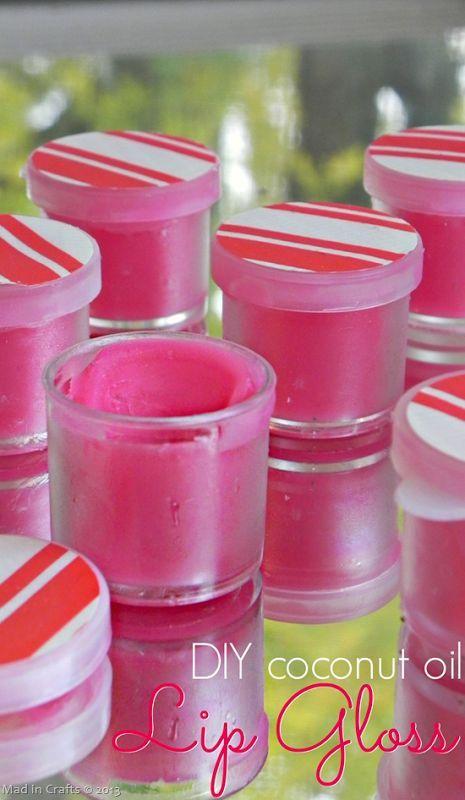 DIY Simple Coconut Oil Lip Gloss