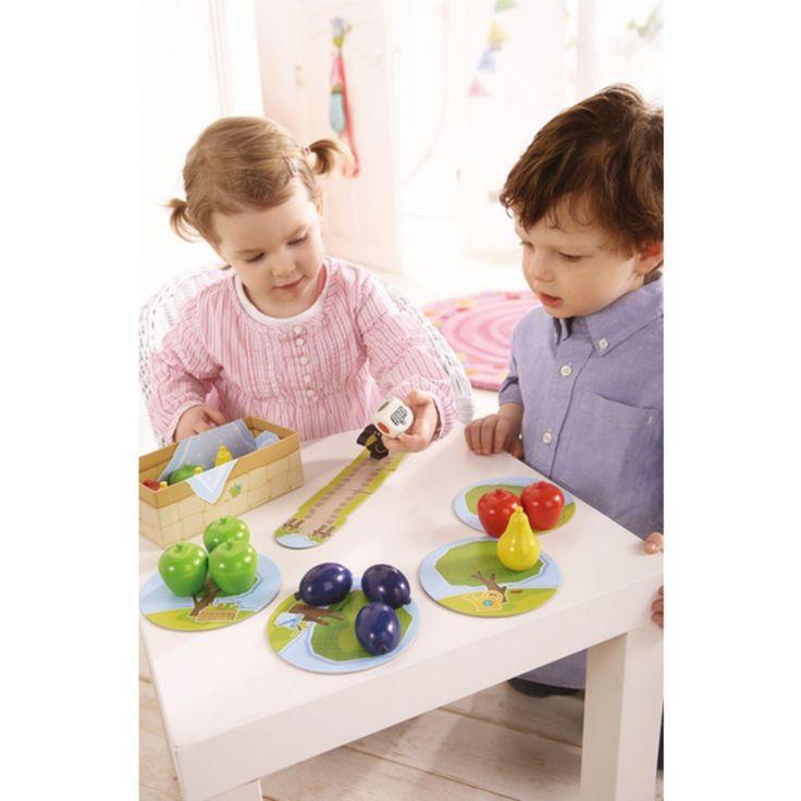 Das Spiel Obstgarten damit spielen alle Kinder gern Es fördert die Kreativität Deines Kindes. Es macht Spaß und regt die Phantasie an. Warum dieses Spiel - fast 700 Amazon Käufer bewerten dieses Spiel als Ausgezeichnet Erster Obstgarten ist ein Spiel ohne Verlierer. Die Kinder arbeiten im Team und versuchen schneller als der Raabe zu sein. Das Spiel ist angegeben ab 2 Jahren.   #Haba #Spiele
