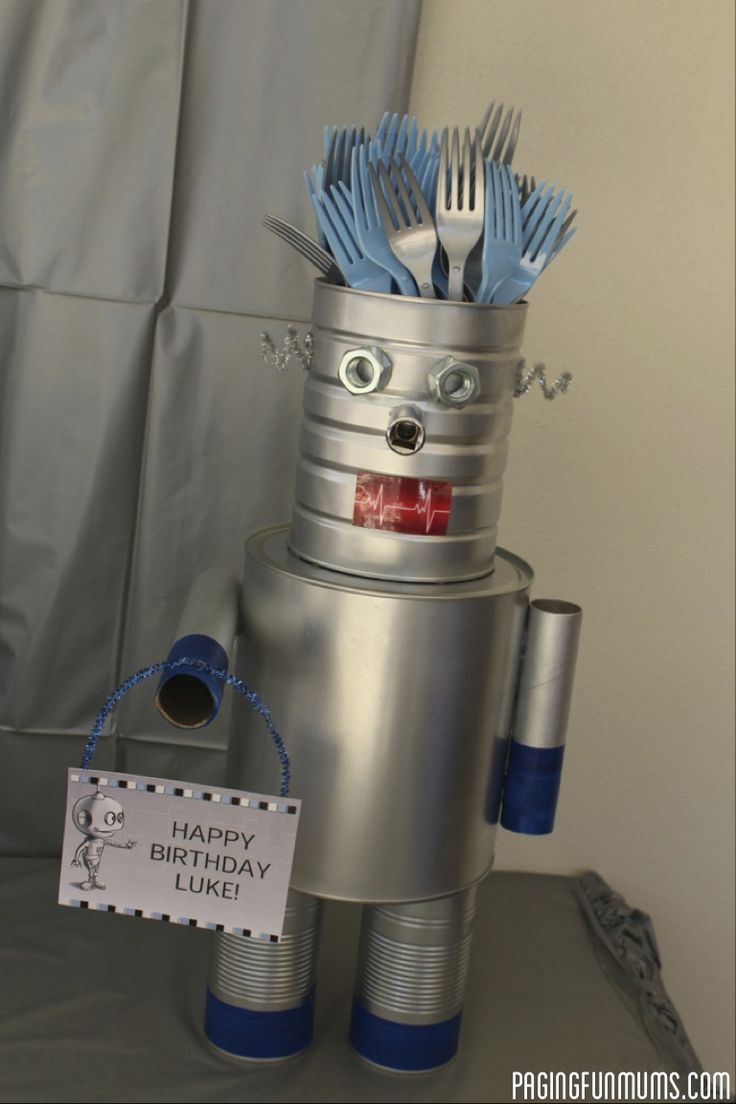 Robot Cutlery Holder! Such a cool addition to any 'Robot' or 'Space' Party