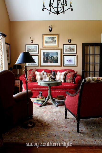 Red Living Room: Savvy Southern Style: Beautiful Red Couches And Print