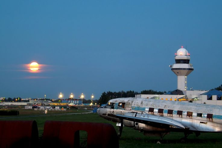 https://flic.kr/p/okdZbf | Poland, Warsaw, Chopin Airport
