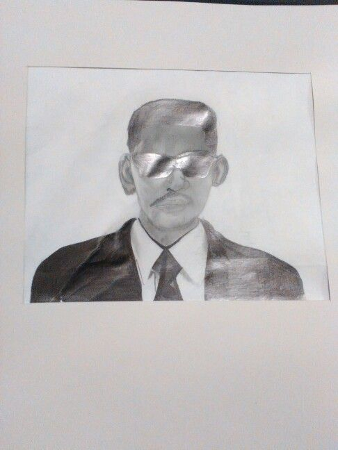 Will smith from the films men in black portrait done by using 2B 3B and a 4B pencil and using a grid