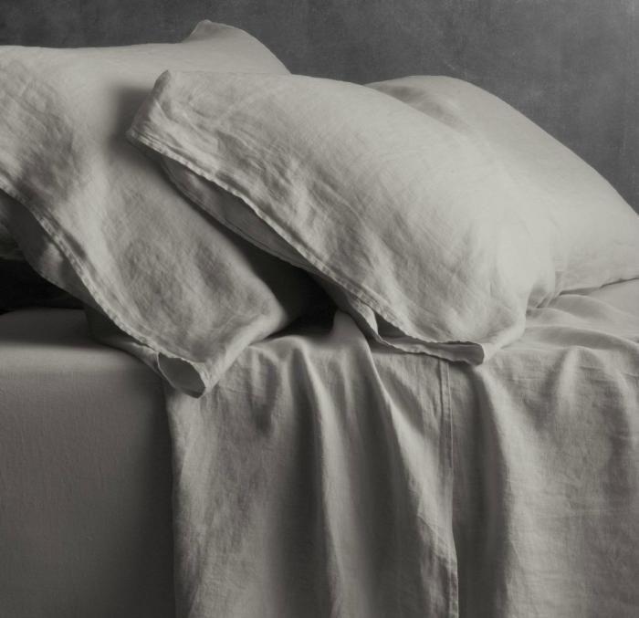 linen-flat-sheet-and-linen-pillowcases http://linenshed.com/blogs/news/16181956-pure-linen-fitted-sheets-for-a-better-quality-sleep