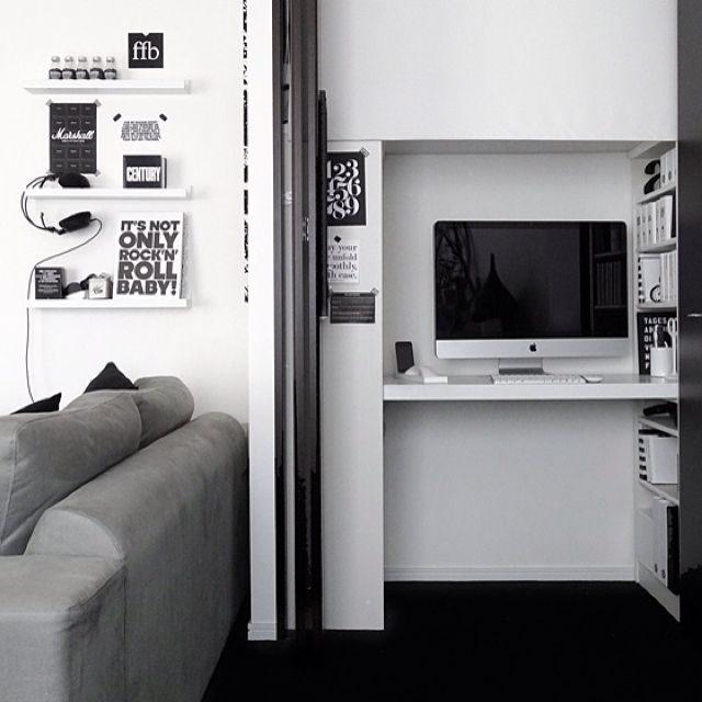 tuuliさんの、パソコン,iMac,クローゼット,白黒,ディスプレイ,IKEA,モノトーンの部屋,モノトーン,机,のお部屋写真