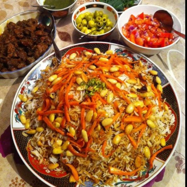 Qobili afghan dish rice with carrots nuts lamb meat in for Afghanistan cuisine