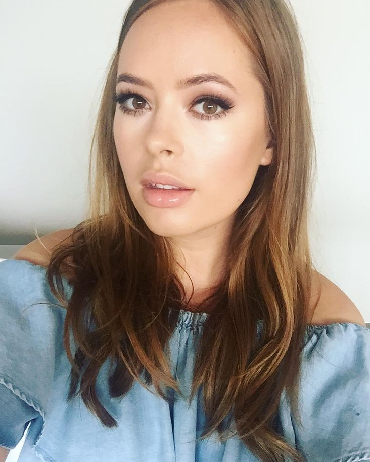 """127.2k Likes, 343 Comments - Tanya Burr (@tanyaburr) on Instagram: """"I've just uploaded a tutorial of this makeup look to my YouTube channel. It's Gigi Hadid inspired…"""""""