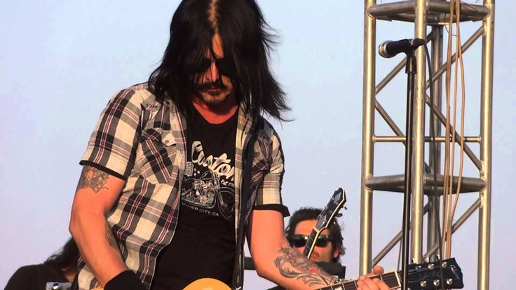 Gilby Clarke And Friends To Tour India This October: Gilby Clarke is touring India with Gilby Rock drummer Troy Patrick Farrell & EJ Curse this month