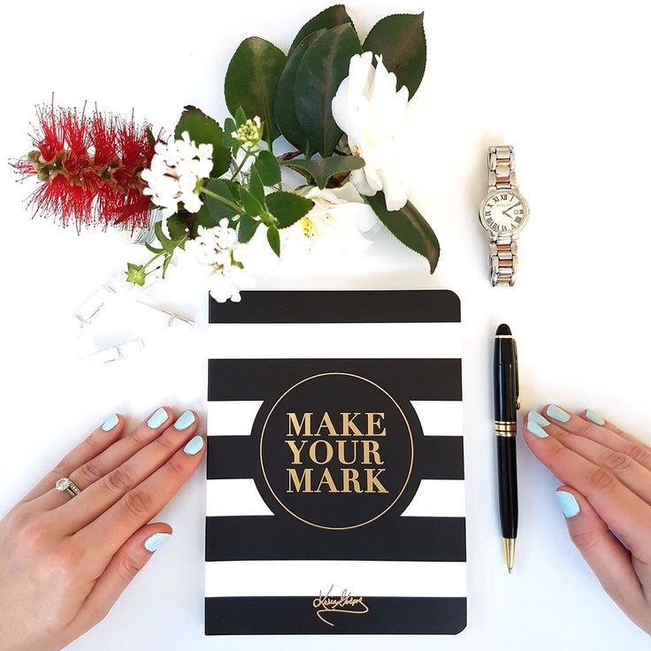Our Make Your Mark notebook makes a thoughtful and inspiring gift for any woman. Hint -  CHristmas Gift . Tag your friends if you would like to see our Make Your Mark stationey under Christmas tree this year.  #stationery #office #desk #notebook #notepad #journal #planner #goals #stationeryaddict #ILoveStationery #luxe #luxury #officeinspo #interiordesign #officedecor #inspo #monochromatic #minimalistic #workspace #productive #productivity #planner #inspo #deskspace #lifestyleblogger…