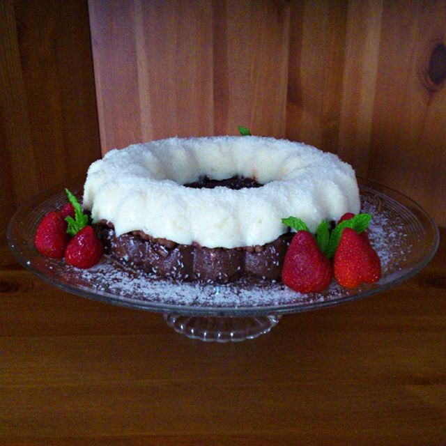 Το ξέρω, είναι δύσκολο να το πιστέψεις, αλλά αυτό που βλέπεις είναι ένα νηστίσιμο γλυκό!  #γλυκο #νηστισιμο #sweet #vegan #κάτι_νόστιμο  https://katinostimo.blogspot.gr/2017/04/blog-post.html  Αρχική συνταγή @emelchotza