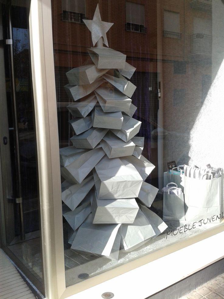 Escaparate de Navidad en tienda textil @mariacreat