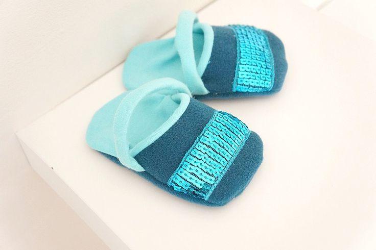 Chaussons sandales bébé fille bleu turquoise et strass : Mode Bébé par hazaliwa