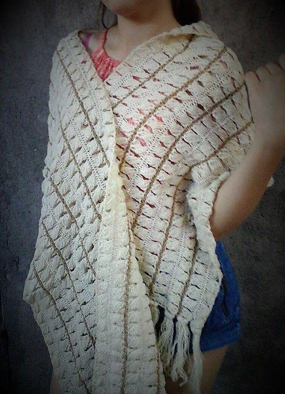 Echarpe Blanco Invierno y dorado, tejido en Horquilla