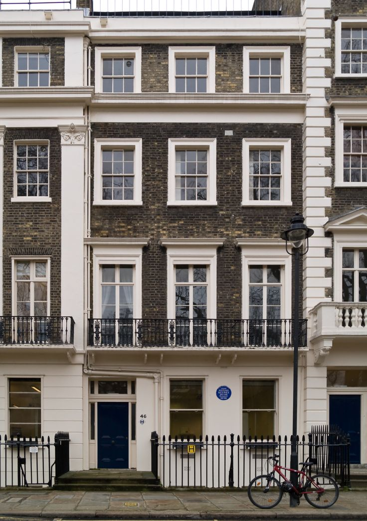 46 Gordon Square, Bloomsbury, the first adult home of Virginia and her orphaned siblings, 1904-1907. Here the original members of the group, Virginia and Vanessa, their future husbands Leonard Woolf and Clive Bell, and Lytton Strachey and Maynard Keynes first met.