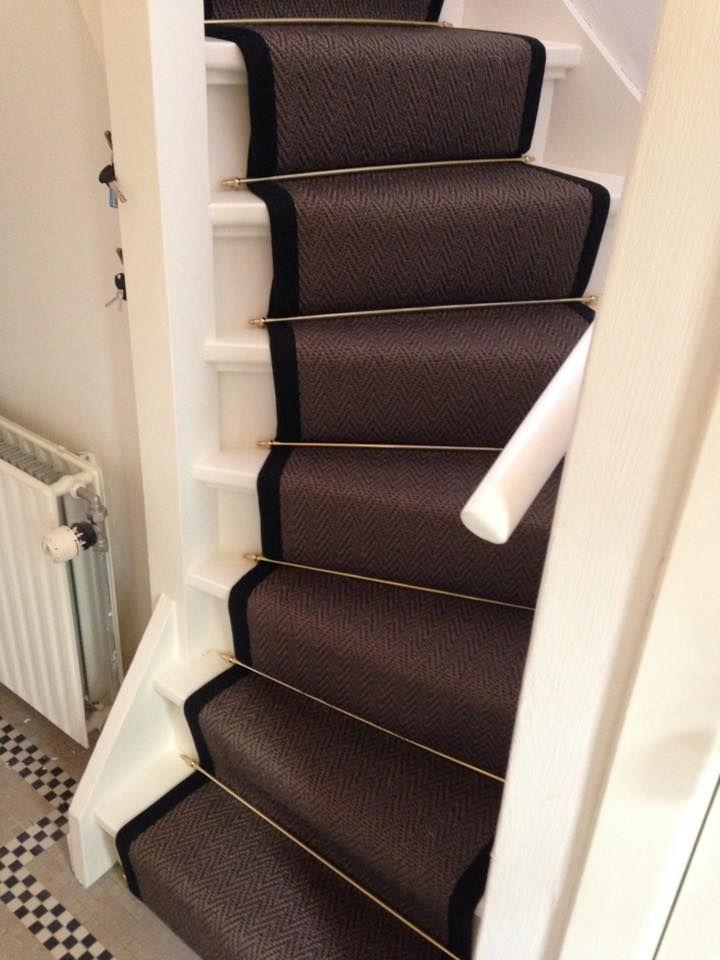 Sisal vloerbedekking traploper op de trap.