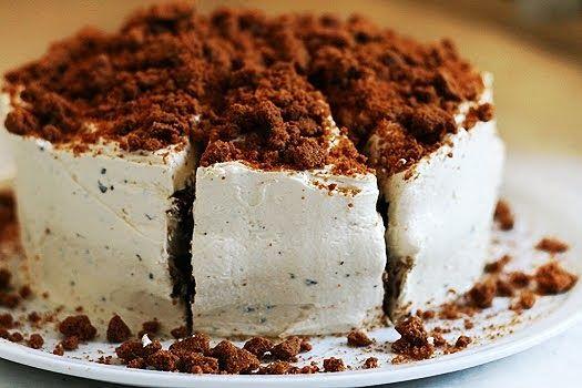 Vandaag heb ik lekker gebakken. Dit keer een koffie bastogne taart. Ik hou niet van koffie, maar dit smaakte toch heel lekker. Als je mokk...