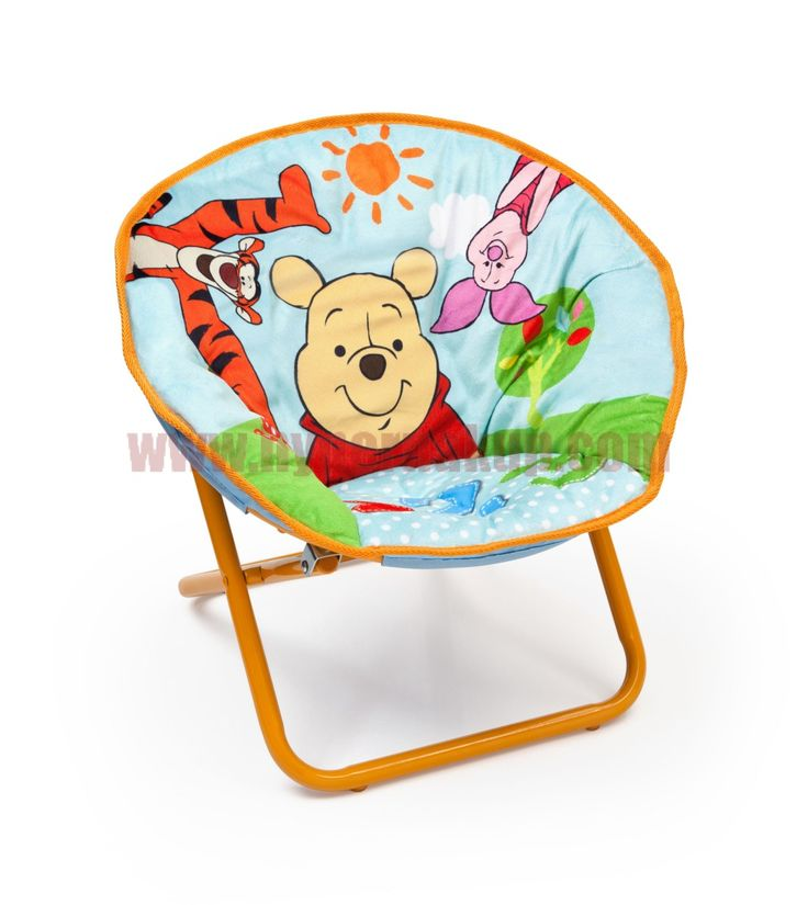 Detská rozkladacia stolička Medvedík Pú Disney macko Pooh. Túto krásnu a zároveň praktickou stoličku si iste obľúbia všetci fanúšikovia roztomilého Macka Pú. Príjemné mäkučké polstrované plyšové sedátko. Stolička je vhodná pre každodenné využívanie az dôvodu ľahkého zloženie a rozloženie je vhodná aj pre cestovanie.  Určené pre deti do 6 rokov. Nosnosť 23 kg. Rozmery: - celková šírka – 52 cm - - celková výška – 47 cm - - celková šírka spodnej konštrukcie - 38 cm - sedacia časť – 29 cm hĺbka…