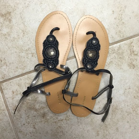 Old Navy Sandals NWOT. I've never worn before. Cute old navy sandals. Size 8 Old Navy Shoes Sandals