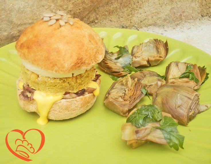 Panino vegetariano ai ceci http://www.cuocaperpassione.it/ricetta/0e1c1f4c-9f72-6375-b10c-ff0000780917/Panino_vegetariano_ai_ceci
