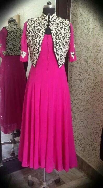 Pretty pink n that koti style .. https://www.facebook.com/nikhaarfashions