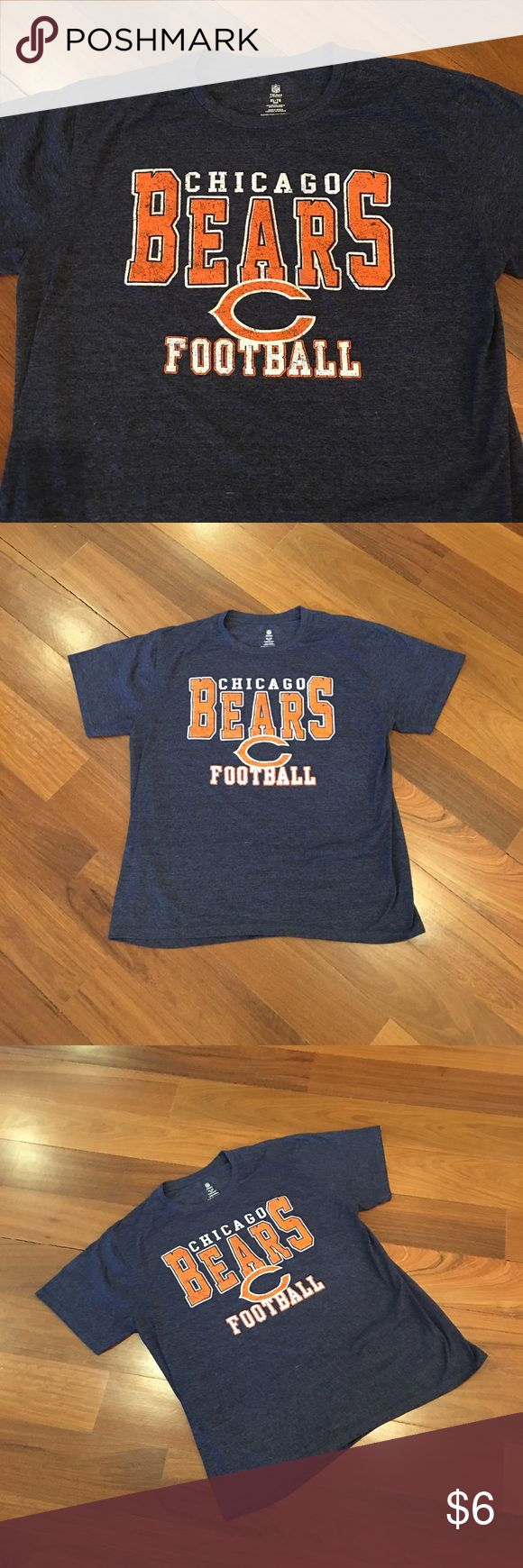 Men's Bears NFL Shirt Chicago Bears men's XL shirt. Navy NFL Shirts Tees - Short Sleeve