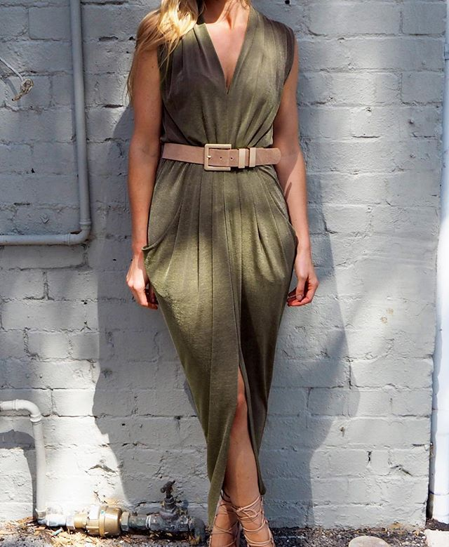While the sun is still shining the Olympia Maxi comes out to play ☀️ #inthemoment #sheikestyle