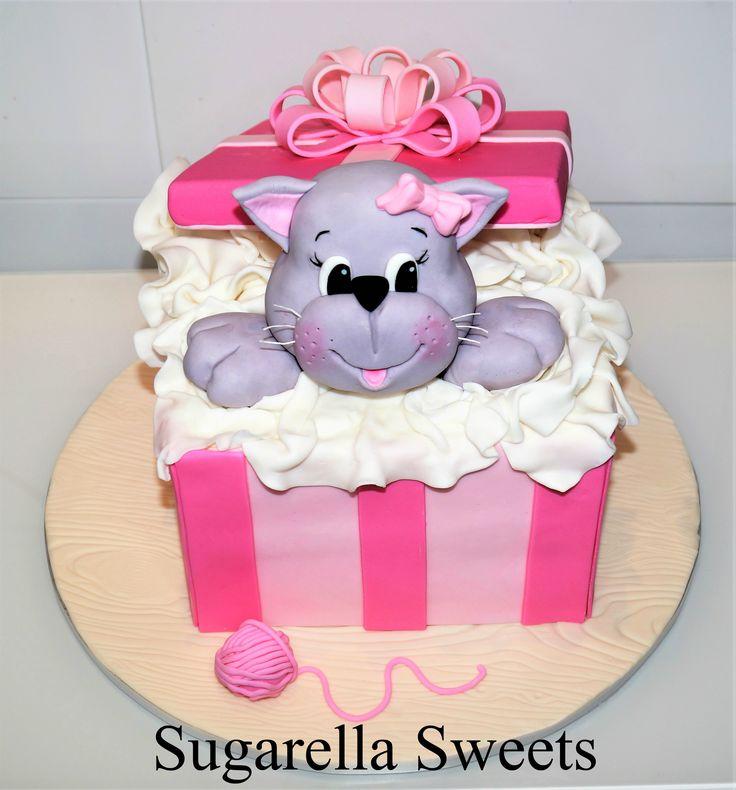 Cat Cake Topper This Cute Gift Box Was Made By Liliana Da Silva