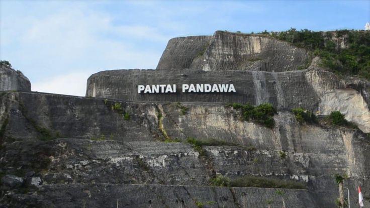 [POTRET NEGERIKU] PANTAI PANDAWA