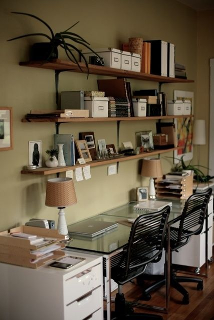 Office space in the dining room. Apartment therapy.