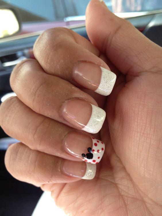Disney Nail Art - Mickey!