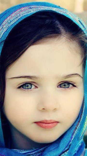 Beautiful little girl @mobile9