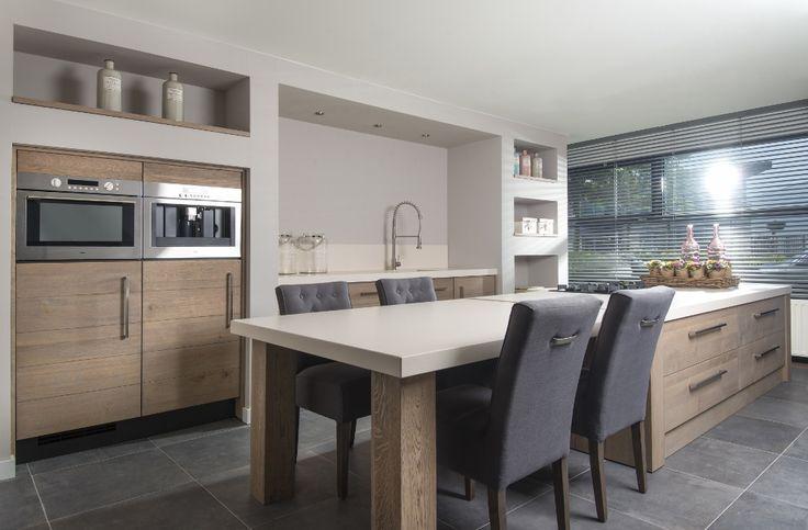 Long Island Kitchens houten keuken kookeiland