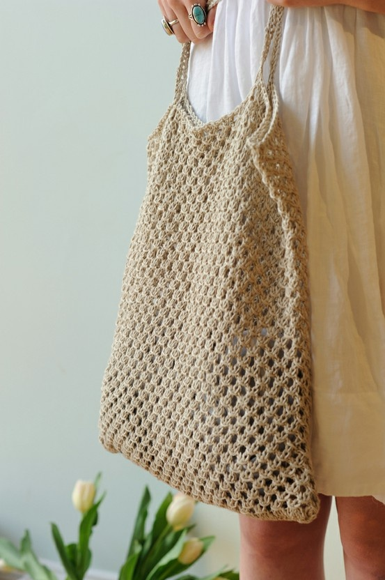 Great looking knit bag! I can definitely envision using this at the weekly Farmers' Market or one of the many craft fairs I enjoy perusing!