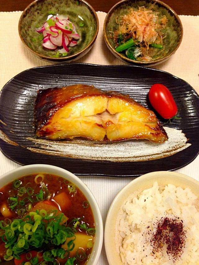 普通の日の夕飯☆カレイの西京焼き