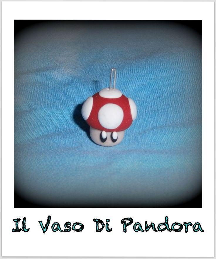 Fimo, Fungo Super Mario, disponibile come orecchini, collana, portachiavi, braccialetto, colori: rosso e verde  Prezzo 5 euro